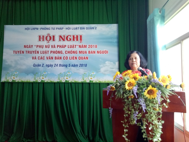 Quan 2: Pho bien Luat Phong chong mua ban nguoi