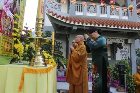 Chủ tịch Quốc hội Nguyễn Thị Kim Ngân thăm, chúc mừng Giáo hội Phật giáo dịp lễ Phật đản
