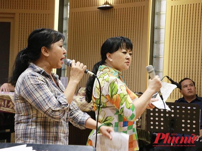 Nghe sy Huong Thanh lan dau ca cai luong tai liveshow Huong Lan