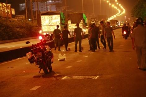Vụ nam thanh niên trúng đạn tử vong khi xem đua xe: Súng của Phó công an phường bị cướp cò?