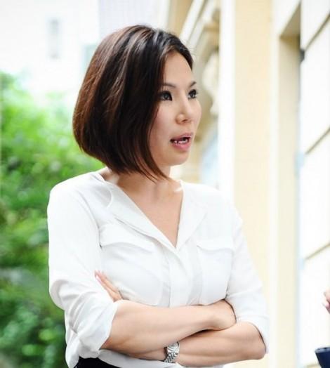 Sau 3 ngày được trả tự do, vợ bác sĩ Chiêm Quốc Thái lại bị khởi tố, tạm giam