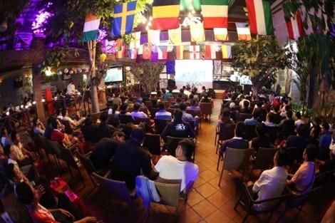 Đầu tư gần 200 triệu đồng trang bị màn hình chiếu, tivi phục vụ World Cup