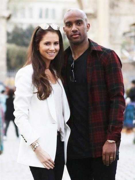 Trung vệ Anh quyết rời World Cup để 'vượt cạn' cùng vợ