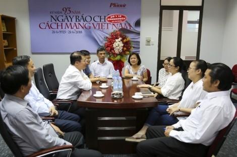 Thứ trưởng Bộ Y tế chúc mừng báo Phụ Nữ nhân ngày Báo chí Cách mạng Việt Nam