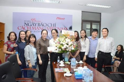Hội LHPN TP.HCM tặng thưởng cho các tập thể, cá nhân đoạt giải báo chí