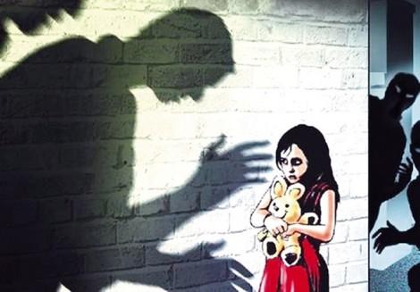 Nhà trường không nên im lặng, bao che thầy giáo nghi xâm hại nữ sinh