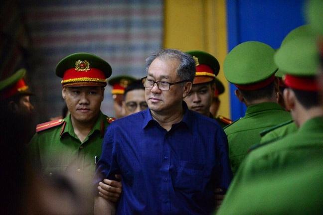 Nguyen pho thong doc Ngan hang Nha nuoc Dang Thanh Binh hau toa