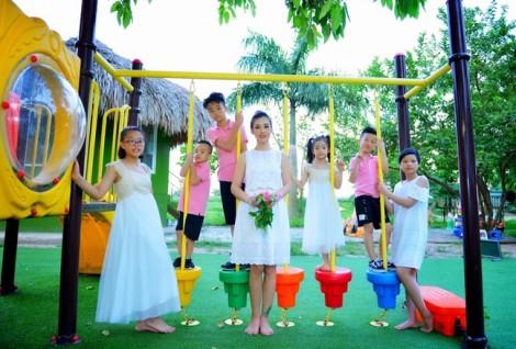 Người mẫu Sao Xa:  'Đơn thân nuôi bảy đứa con, tôi vẫn sống tốt'