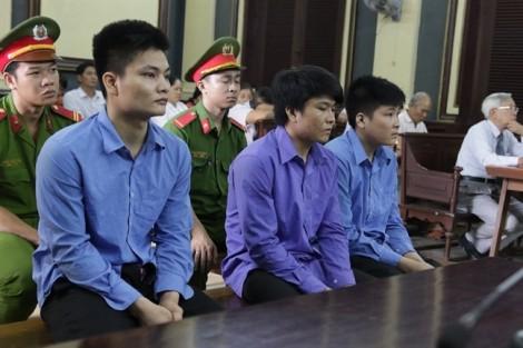 Đau nhói ở phiên xử ba anh em đánh chết người vì mâu thuẫn tình cảm