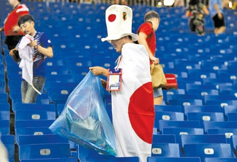Có một tinh thần bóng-đá-can-đảm trong trái tim người Nhật