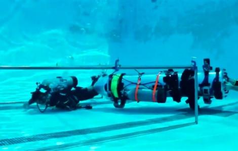 Tỷ phú công nghệ mang thiết bị lặn tới Thái Lan hỗ trợ giải cứu đội bóng