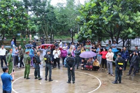 Người dân gửi đơn xin cứu xét cho tử tù Đặng Văn Hiến