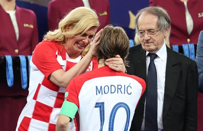 Tong thong Croatia - quy ba duoc yeu thich nhat sau tran chung ket World Cup 2018