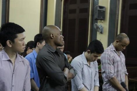 Hàng loạt quý bà ở Sài Gòn sụp bẫy trước những lời ngon ngọt của trai Tây