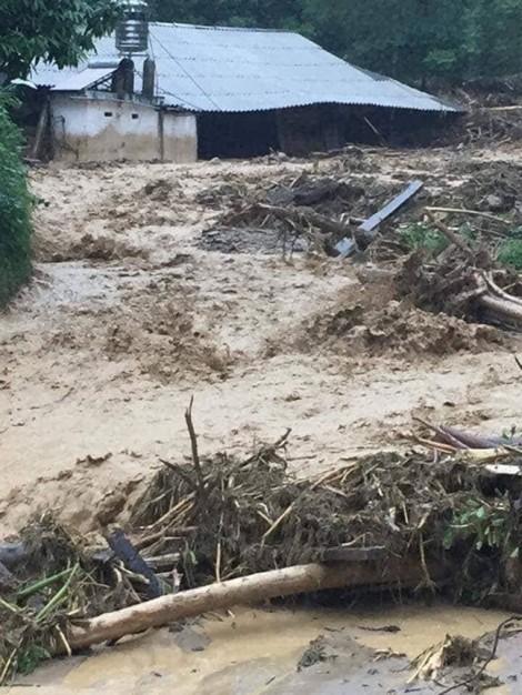 Hoàn lưu bão Sơn Tinh gây mưa lũ ở Yên Bái khiến 1 chết, 6 người mất tích