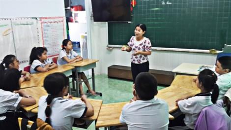 Bà giáo muốn... đứng trong học trò