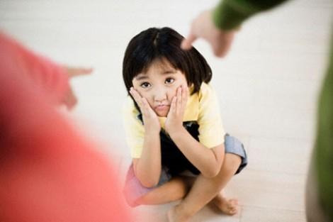 Phạt con khi sử dụng son môi: Nên hay không?