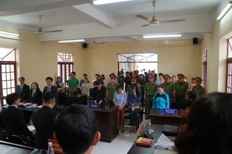 Các bị cáo vụ trường Mầm Xanh tố nhau tại tòa về việc hành hạ trẻ em