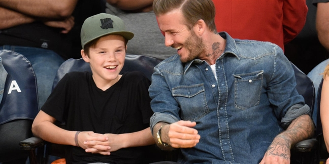 Bat ngo voi giong ca chuyen nghiep cua con trai nha Beckham