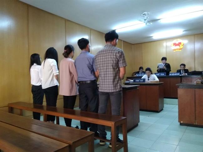 Nu doanh nhan cam dau duong day ban hoa don khong hon 5.000 ty dong