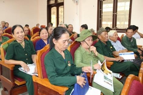 Tập đoàn Tân Hiệp Phát tặng quà cho các cựu thanh niên xung phong Nghệ An, Hà Tĩnh