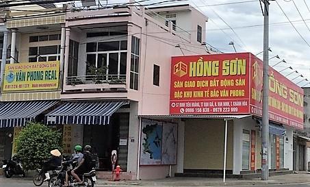 Doanh nghiep bat dong san dua nhau... giai the