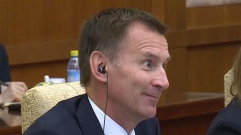Ngoại trưởng Anh mắc lỗi ngoại giao hi hữu vì nhầm lẫn quê vợ