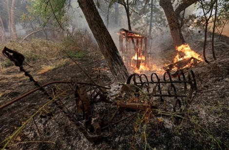 Bà cụ không tiếc mạng sống cứu cháu, nhưng cả 3 vẫn không qua khỏi lửa dữ