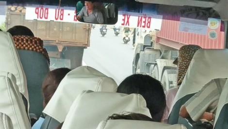 Những 'quan tài bay' trên xa lộ