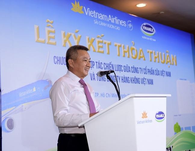 Vietnam Airlines va Vinamilk hop tac chien luoc cung phat trien thuong hieu vuon tam quoc te