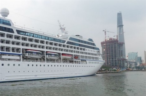 Gần 11.500 du khách không thể đến TP.HCM vì tàu không có… bến đậu