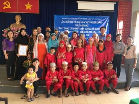 Hội LHPN TP.HCM hỗ trợ Câu lạc bộ Sao Sáng của cộng đồng người Chăm