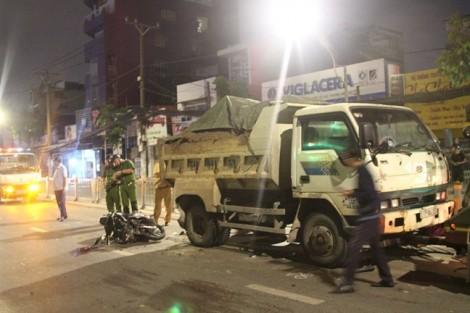 Người đàn ông tử vong vì tông vào xe ben đậu qua đêm giữa đường