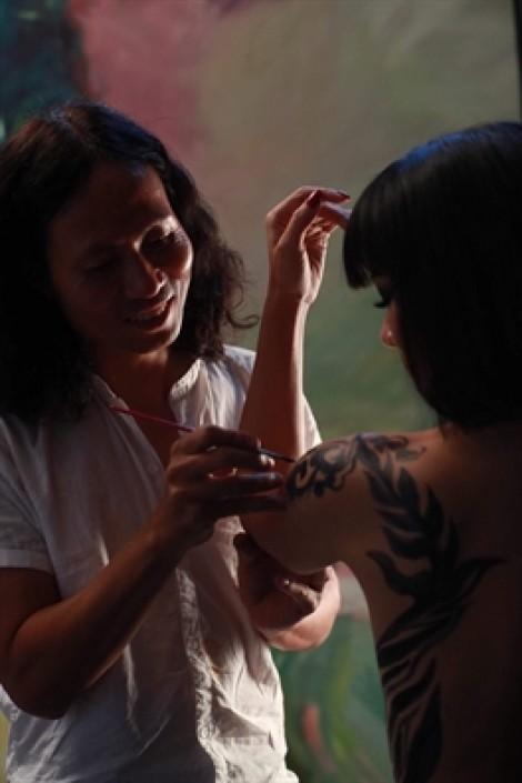 Vụ người mẫu nude tố họa sĩ hiếp dâm: Bài học lớn cho nghệ sĩ