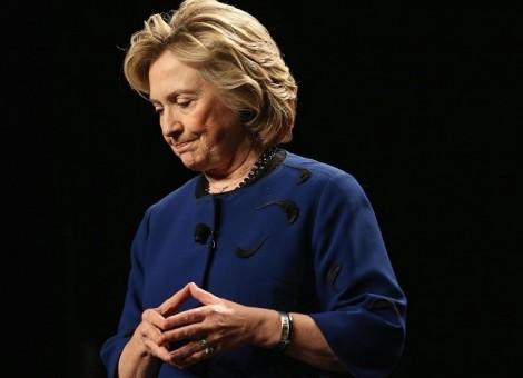 Hồi ký của Hillary Clinton phá kỷ lục doanh thu thể loại sách phi hư cấu