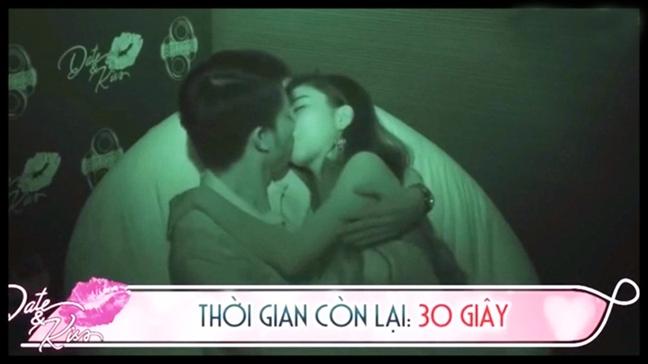 'Thuoc doc' van hoa nup bong show hen ho