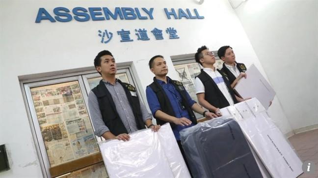 Giao su dai hoc Hong Kong bi nghi giet vo, giau xac trong vali, de o van phong