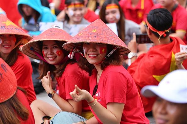 Hang nghin co dong vien doi mua o trung tam Sai Gon co vu Olympic Viet Nam