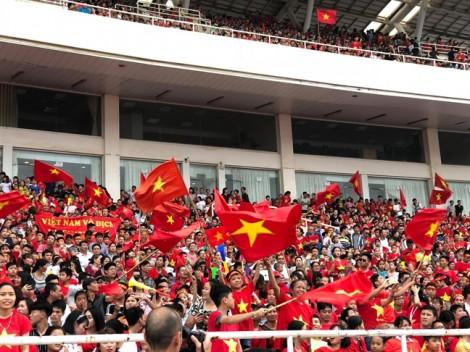 Sân Mỹ Đình kín người hâm mộ dự lễ vinh danh đoàn thể thao VN về từ ASIAD