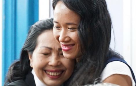 Khép lại hành trình gian nan sang Pháp đòi con của người phụ nữ Việt