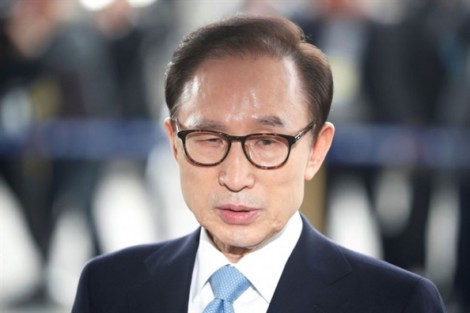 Cựu Tổng thống Hàn Quốc Lee Myung Bak bị đề nghị 20 năm tù