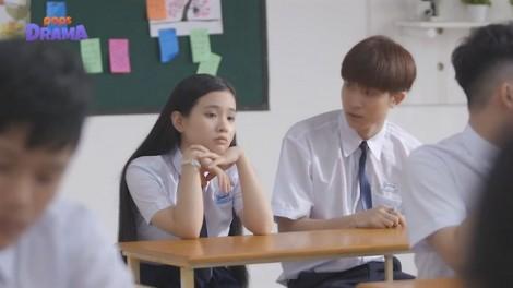 'Cô gái đến từ bên kia': Món quà ý nghĩa dành cho tuổi học trò