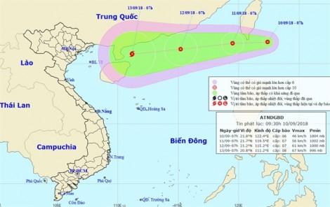 Áp thấp nhiệt đới và siêu bão cùng tiến vào biển Đông