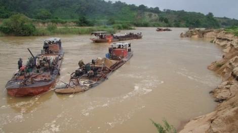 Tăng cường kiểm tra, xử lý trộm cát trên các tuyến sông, kênh TP.HCM