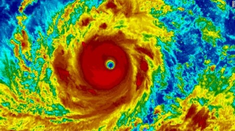 Hàng chục triệu người 'nín thở' chờ hai siêu bão Mangkhut và Florence