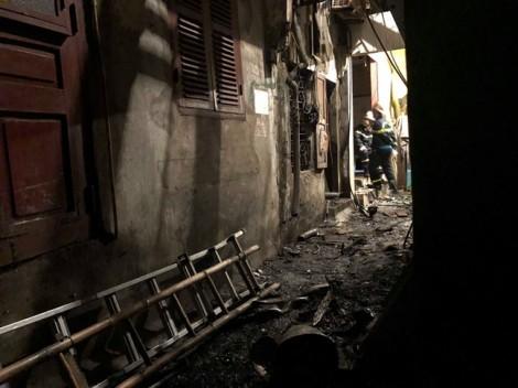Nghi nạn nhân vụ cháy gần BV Nhi Trung ương là bố mẹ của bệnh nhi 2 tháng tuổi