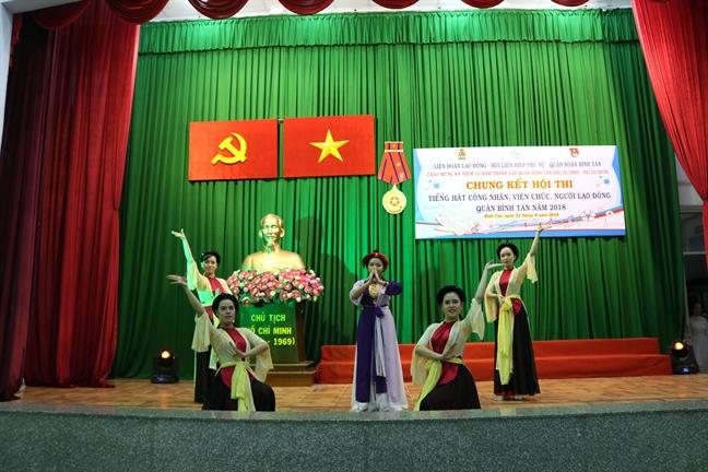Quan Binh Tan: Soi noi hoi thi tieng hat cong nhan vien chuc, nguoi lao dong