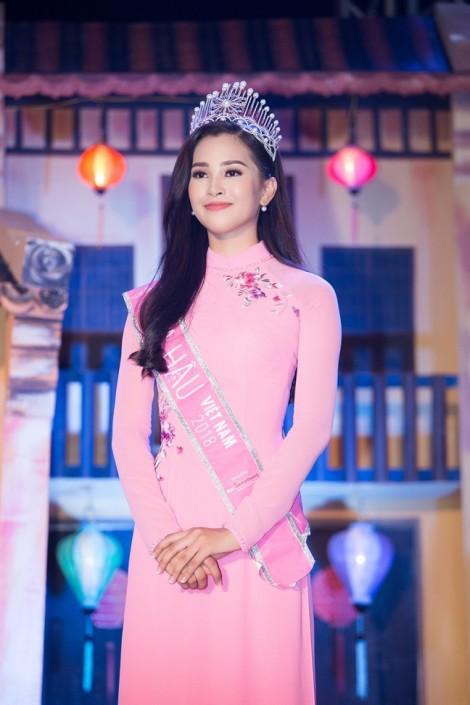 Hoa hậu Trần Tiểu Vy được UBND tỉnh Quảng Nam tặng bằng khen