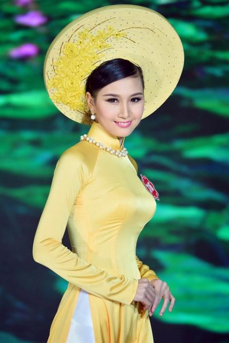 Người có mái tóc đẹp nhất 'Hoa hậu Việt Nam 2014' xuống tóc đi tu