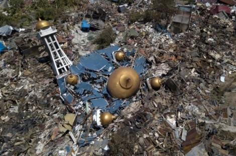 Khó khăn chồng chất khi hỗ trợ nạn nhân động đất, sóng thần tại Indonesia